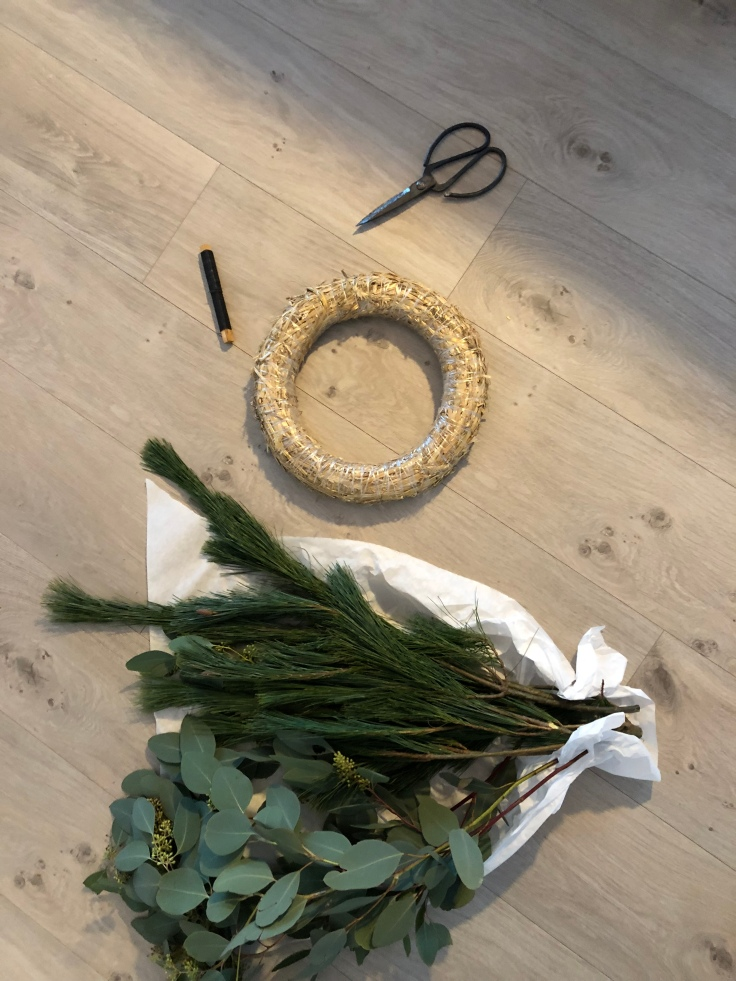adventskranz mit eucalyptus svenjas wohnsinnige welt. Black Bedroom Furniture Sets. Home Design Ideas